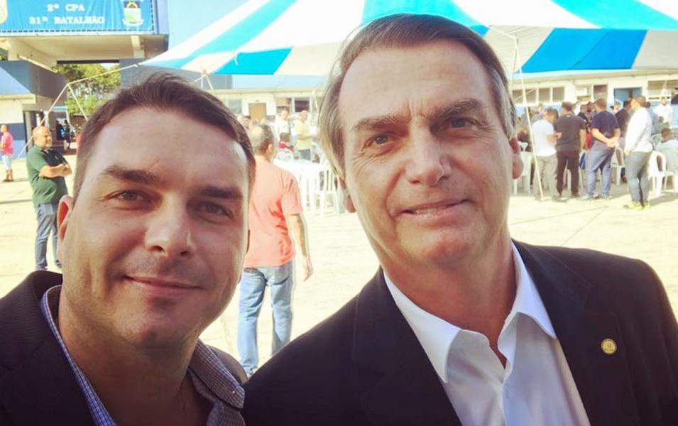 Jair e Flávio Bolsonaro