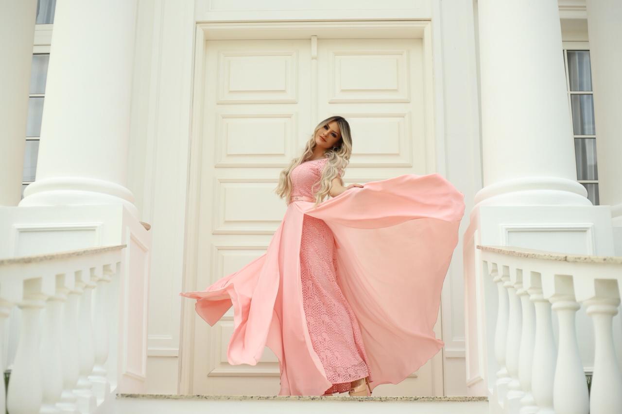 d1c935dba7 Fascíniu s Moda Evangélica entrega peças atuais para mulheres de ...