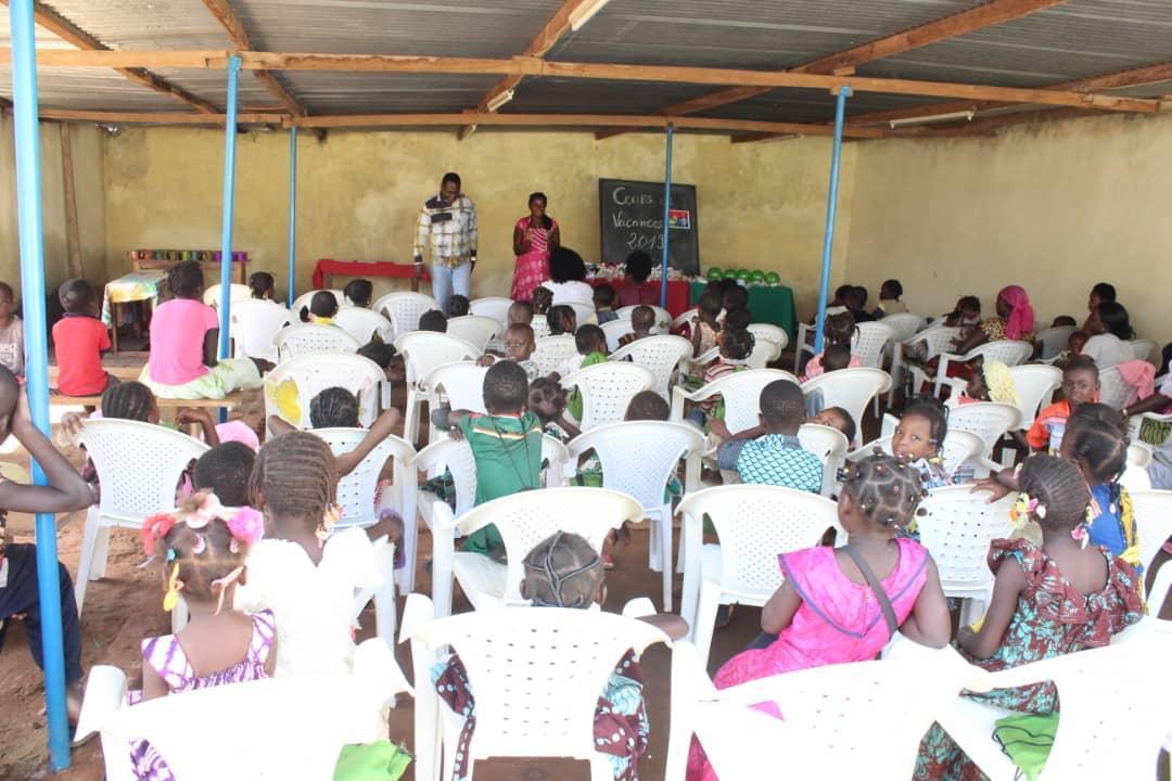 Igreja promove trabalho de alfabetização para crianças africanas