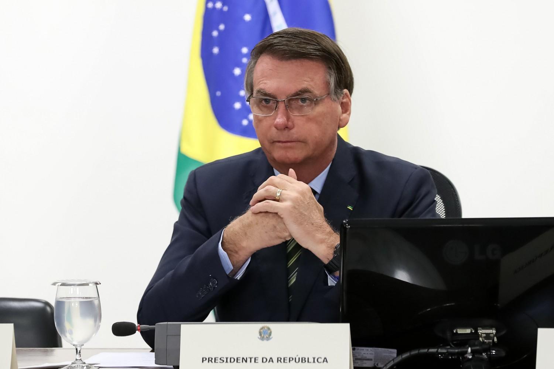 Bolsonaro inclui atividades religiosas em lista de serviços essenciais em m