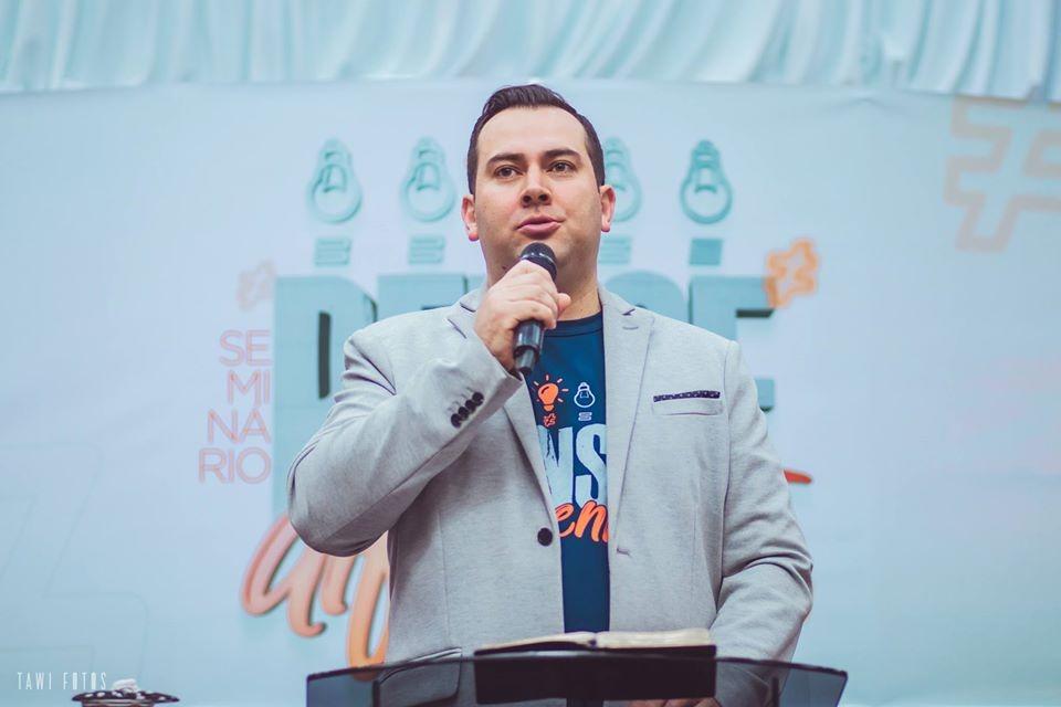 Pastor Daniel Fich