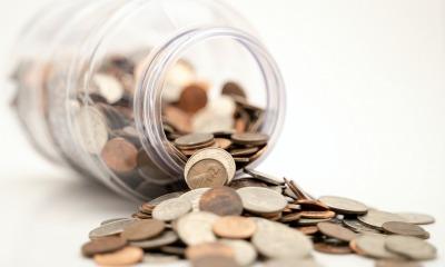Pote cheio de moedas