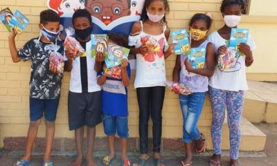 Crianças recebem livros AD Viamão