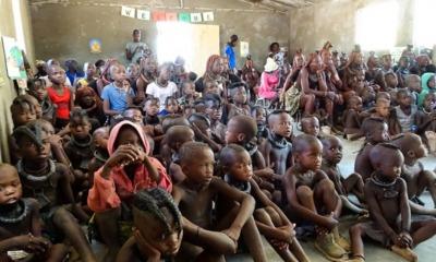 Crianças recebem presentes da Samaritan's Purse