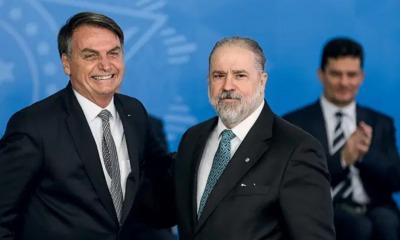 Jair Bolsonaro, Augusto Aras e Sergio Moro ao fundo