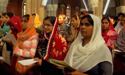 Mulheres paquistanesas no culto