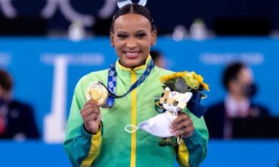 Rebeca Andrade com o ouro