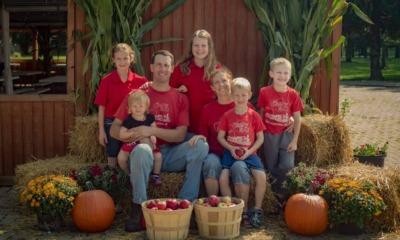 Steve e Bridget Tennes com seus filhos